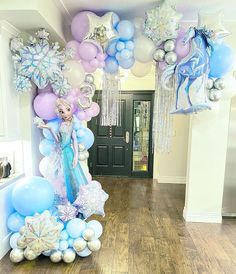 Frozen Balloon Decorations, Frozen Birthday Decorations, Frozen Balloons, Frozen Themed Birthday Cake, Frozen Themed Birthday Party, 4th Birthday, Frozen Tea Party, Princess Tea Party, Birthday Balloons