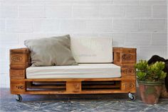 pallet couch seat on wheels