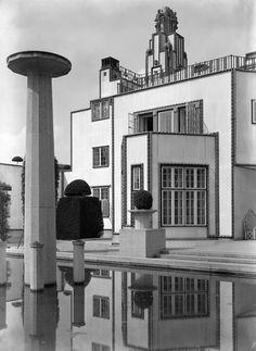 Garden of 'Palais Stoclet' Brussels, 1905-11. Architect: Josef Hoffmann.