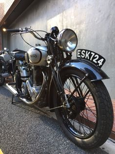 1946 Norton Model 18   (OHV500cc)