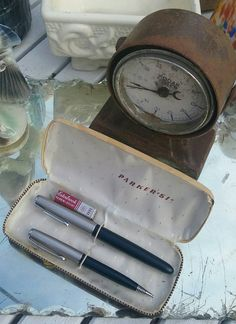 Check out this item in my Etsy shop https://www.etsy.com/listing/290893945/handsome-1951-parker-pen-and-pencil