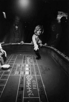F&O Fabforgottennobility — infinitemarilynmonroe: Marilyn Monroe photographed...