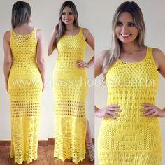 Amarelo sem dúvidas é uma das cores mais aclamadas do verão! E quando combinamos a exuberância desta cor com a delicadeza do crochê não poderíamos deixar d