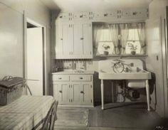 1922 Kitchen Sink