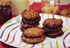 Very easy 15 minutes For 8 people € / person per How to make hazelnut cookies . Today I present you a recipe that you have to try yes or yes, hazelnut and chocolate cookies . This weekend has been one of those that you want to cook, and with all … Chocolate Lindt, Chocolate Cookies, Sweets Recipes, Cooking Recipes, Desserts, Hazelnut Cookies, Muffin, Eat, Breakfast