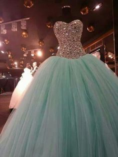 Real Photos Crystal Sweetheart Beaded Bodice Floor Length Tulle Sparkly Ball Gown Long Prom Party Dresses Sweet 16 Black Quinceanera Dresses Cheap Elegant Dresses