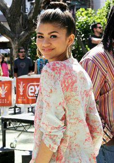 Zendaya Coleman Zendaya Fashion, Zendaya Style, Rocky Blue, Zendaya Coleman, Disney Channel, American Actress, Queens, Outfit Ideas, Sari