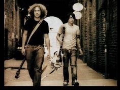 My Chemical Romance - They look so cool - Ray Toro and Frank Iero My Chemical Romance Members, Curly Fro, Ray Toro, Best Guitarist, Mikey Way, Black Parade, Frank Iero, Im Not Okay, Fall Out Boy