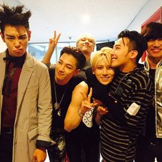 BigBang with Jang HyunSeung from Beast, omg it makes me really happy to see that they still are friends!
