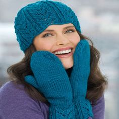 Lacy Leaf Hat & Mittens Knitting Pattern | Red Heart