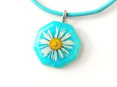 Blue Daisy Necklace, Real Flower Resin Pendant with Leather Necklace, Flower Jewelry, Statement Necklace, Resin Jewelry, UK (1028)