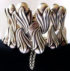 Bracelet |  Los Castillo.  Sterling silver.  Vintage. I love the pearl shapes on the edge.  I think I can recreate this look with beads.