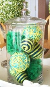 Spring Yarn Decor Balls, could change the yarn to match any/all holidays!