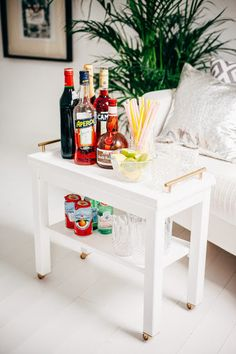 Nornas ikea hack - turned into a bar cart small house decor Decor hacks. Bar Ikea, Ikea Bar Cart, Diy Bar Cart, Bar Carts, Design Seeds, Small House Decorating, Decorating Tips, Ikea Hacks, Diy Hacks