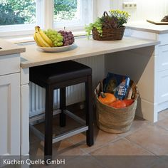 Lowered work surface under the window: from kitchen source, country house - Küche - Outdoor Kitchen Outdoor Kitchen Bars, Diy Kitchen, Kitchen Decor, Kitchen Design, Kitchen Cabinets, Country Kitchen, Top Of Cabinet Decor, Cocina Diy, Kitchen Ornaments