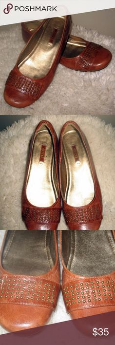 """Ecco Cognac Brown Leather Flats Studded Toe 7 Perfect for fall, ECCO cognac brown leather flats with studded toe box and 1.5"""" wedge heel. Size 37 (US 7) Excellent preowned condition.  inventory -- LME Ecco Shoes Flats & Loafers"""