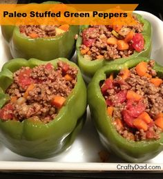 Paleo Recipe :: Stuffed Green Peppers - so good and SO filling Beef Recipes, Real Food Recipes, Cooking Recipes, Healthy Recipes, Comida Latina, Paleo Life, How To Eat Paleo, Paleo Dinner, Stuffed Green Peppers