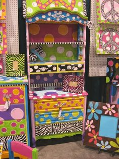 funky hand painted furniture- Christy's Funky Furniture- Tylertown, MS- I want this! Whimsical Painted Furniture, Painted Chairs, Hand Painted Furniture, Funky Furniture, Paint Furniture, Repurposed Furniture, Furniture Projects, Furniture Makeover, Diy Projects