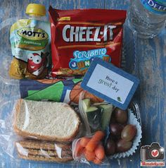 We had a couple of field trips lately and I wanted to share our disposable field trip lunches with you.          This field trip lunch ...