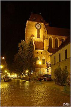 handa:    By night…, a photo from Kujawsko-Pomorskie, West | TrekEarth