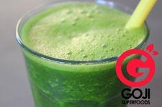 Heerlijk groente-fruit sapje met bijenpollen... - Blog   Goji Superfoods Superfoods, Smoothies, Fruit, Shake, Blog, Smoothie, Super Foods, Blogging, Smoothie Packs