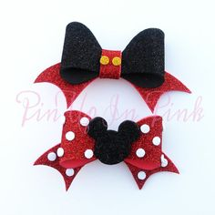 Mickey and Minnie Inspired Foam Bow by PinUpInPink on Etsy Making Hair Bows, Diy Hair Bows, Bow Hair Clips, Diy Leather Projects, Diy Projects To Sell, Baby Tiara, Disney Bows, Bow Template, Mickey Y Minnie