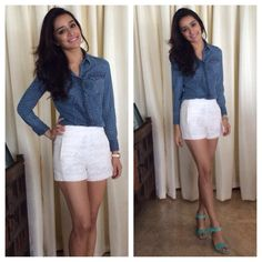 Her love for ZARA was spotted in a casual look at a radio promotion event. She was seen in a denim print shirt with geometric pattern from GAS jeans styled with ZARA white shorts and ankle strap mint heels. Bollywood Images, Bollywood Stars, Bollywood Celebrities, Bollywood Fashion, Bollywood Actress, Shraddha Kapoor Cute, Sraddha Kapoor, Zara Shorts, Fashion Advice