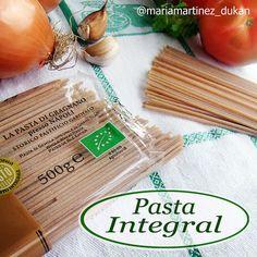 """La pasta integral de verdad es la que tiene un solo ingrediente: sémola INTEGRAL de trigo duro. Si la lista de ingredientes es """"sémola de trigo, salvado de trigo y germen de trigo"""" no es integral, es pasta blanca pintada"""