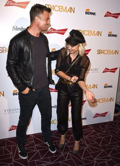 Pin for Later: The Way Josh Duhamel Looks at Fergie on This Red Carpet Will Make You Believe in Love