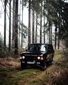- My old classic car collection Range Rover Classic, Black Panthers, Old Classic Cars, Classic Chevy Trucks, Vintage Diy, Vintage Cars, Vintage Trends, Bmw Iphone Wallpaper, Landrover Range Rover