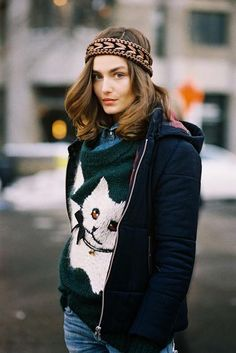 My husband would die if I wore this. :( Love the bulky kitty sweater and headband! Image Via: Vanessa Jackman