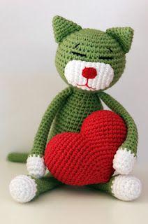 Amineko with crochet hart