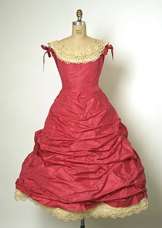 Ball gown Design House: House of Balenciaga (French, founded 1937) Designer: Cristobal Balenciaga (Spanish, Guetaria, San Sebastian 1895–1972 Javea) Date: spring/summer 1955 Culture: French Medium: silk, cotton, metal Dimensions: Length: 45 in. (114.3 cm) Credit Line: Gift of Lisa and Jody Greene, in memory of their loving mother, Mrs. Ethel S. Greene, 1958