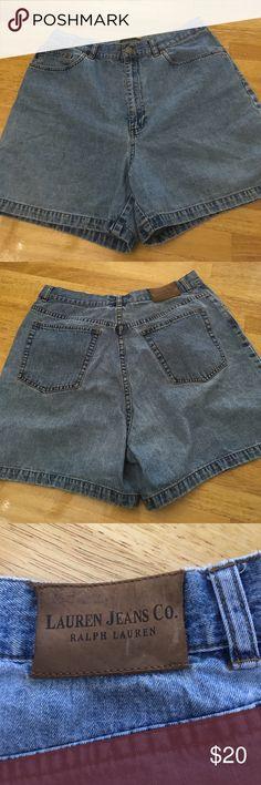 High Waisted Mom Shorts Ralph Lauren Size 12 Vintage style, Ralph Lauren, high waisted mom shorts. Light wash, size 12. Lauren Ralph Lauren Shorts Jean Shorts