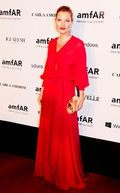 Kate Moss pops in red!