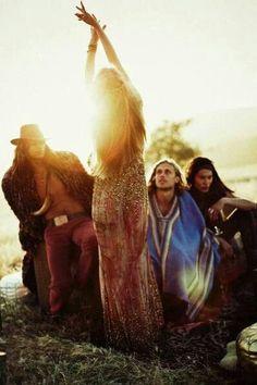 hippie life 507851295451156479 - Source by nakedlynourish Boho Chic, Look Hippie Chic, Hippie Love, Hippie Chick, Hippie Bohemian, Boho Gypsy, Hippie Style, Boho Style, Bohemian Beach