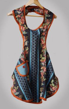 Time-Warp Wife - Empowering Wives to Joyfully Serve: A Free Apron Pattern - And a Titus Link-Up Party! Sewing Aprons, Sewing Clothes, Diy Clothes, Sewing Hacks, Sewing Tutorials, Sewing Patterns, Apron Patterns, Dress Patterns, Retro Apron