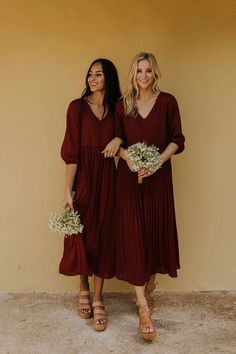 Cute floor length bridesmaid dresses in grey blush, burgundy, and navy. Perfect maxi dress for a special occasion or formal dress wear. This floor-length party dress will stop the show. See more bridesmaid dresses in our online clothing boutique. Bridesmaid Dresses With Sleeves, Burgundy Bridesmaid Dresses, Wedding Bridesmaid Dresses, Modest Dresses, Bohemian Bridesmaid, Bride Dresses, Christmas Bridesmaid Dresses, Alternative Bridesmaid Dresses, Winter Wedding Bridesmaids