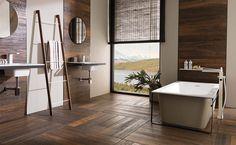 Zastąpić prawdziwe drewno płytką? A jednak! Standardy w urządzaniu łazienek wyszły już poza sferę dotychczasowych ograniczeń.