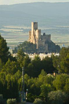 Os invitamos a pasear por el Castillo de Almansa, en Alicante. #historia #turismo http://www.rutasconhistoria.es/loc/castillo-de-almansa