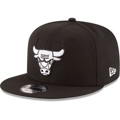 Chicago Bulls New Era Black & White Logo 9FIFTY Adjustable Snapback Hat - Black - $27.99