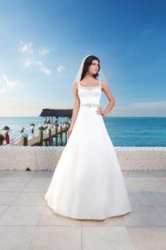 20 glamorous wedding dresses full of sparkle and shine!