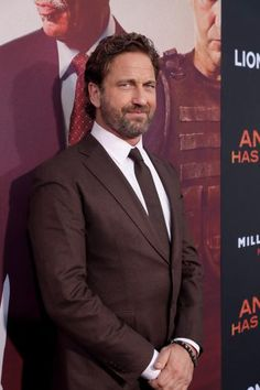"""With so many superhero movies this summer, Gerard Butler says """"Angel Has Fallen"""" is a welcome return to the real world for action movies. Jamie Butler, Hot Scottish Men, Actor Gerard Butler, London Has Fallen, Romantic Comedy Movies, Gb Bilder, Martial Arts Movies, Thriller Film, Men In Kilts"""