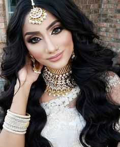 Best indian bridal makeup and hair nose rings ideas Wedding Makeup For Brown Eyes, Wedding Day Makeup, Wedding Updo, Arabian Makeup, Bollywood Makeup, Indian Wedding Hairstyles, Engagement Hairstyles, Indian Bridal Makeup, Indian Beauty