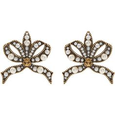 Gucci Faux-pearl and feline-embellished bow earrings (2.345 RON) ❤ liked on Polyvore featuring jewelry, earrings, accessories, pearl, bow earrings, stud earrings, fake pearl earrings, imitation pearl earrings and faux pearl stud earrings