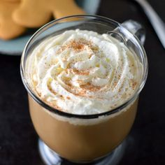 Gingerbread latte using an easy homemade gingerbread syrup.  gingerbread latte.  This sweet and spicy drink just screams holiday!