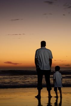 elhamzh:  maya47000: Watching the sunset with Dad
