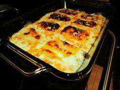 Tasty Taco Dip Taco Dip, Lasagna, Dips, Tacos, Ethnic Recipes, Food, Taco Sauce, Sauces, Meals