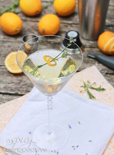Lavender Meyer Lemon Tom Collins Cocktail via @Sommer | A Spicy Perspective