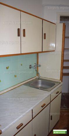 Fénykép az ingatlanról Kitchen Cabinets, Home Decor, Kitchen Cupboards, Homemade Home Decor, Decoration Home, Kitchen Shelves, Interior Decorating